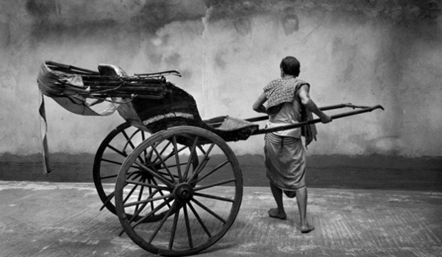 hand-pulled-rickshawwallah-in-Kolkata
