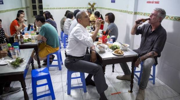 obama-anthony-baourdain-meal-759