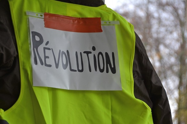 yellow-vests-3854259_640